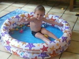 demon profite de ta piscine
