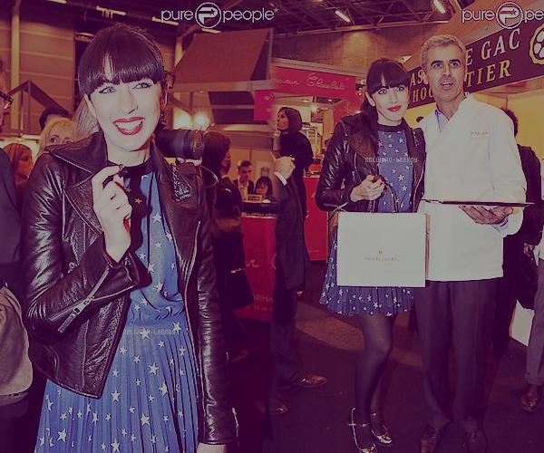 Nolwenn était présente à l'inauguration du Salon du Chocolat qui se tient actuellement à la Porte de Versailles à Paris, du 20 au 24 octobre 2011.