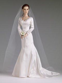 Produits dérivé : La poupée Bella en mariée mise en vente