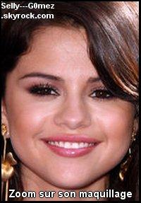 Vidéos de Selena aux Teen Choice Awards (on y aperçoit Demi Lovato & Taylor Swift)! + quelques photos. Que penses-tu de leurs tenues ?