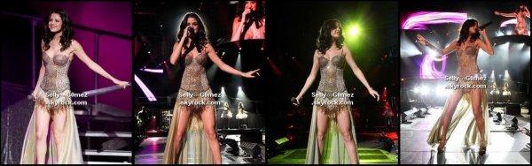 Deux vidéos où Selena répond à des questions de ses fans + photos du concert du New Jersey.