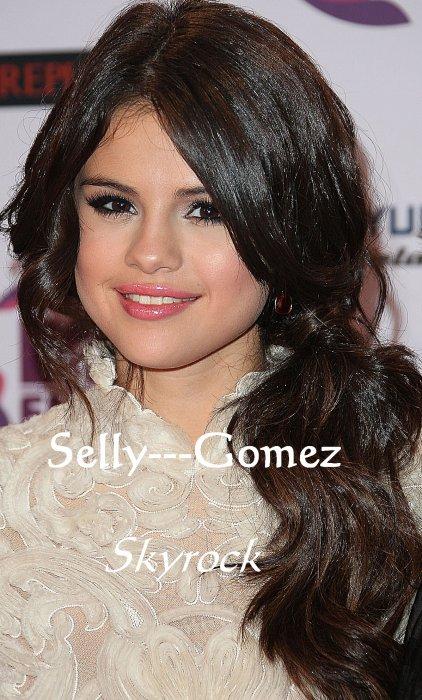 Ta source sur Selena Gomez.