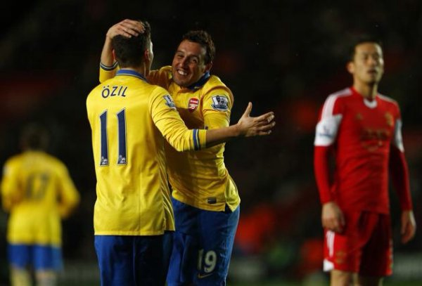 Photos de Mesut pendant le match contre Southampton (28.01.14)