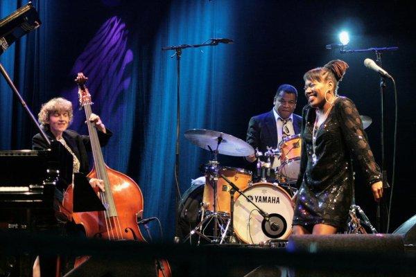 CHINA MOSES & RAPHAEL LEMONNIER (Gent Jazz Festival, 8 juillet 2009)