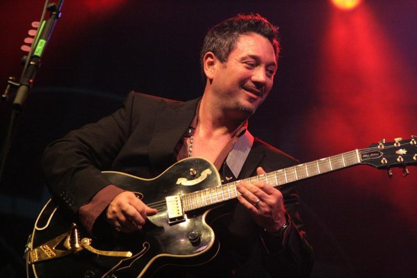 FUN LOVIN' CRIMINALS, Blues Peer Festival, 17. juillet 2010