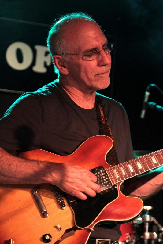 LARRY CARLTON, Verviers, Spirit of 66, 4 juillet 2011