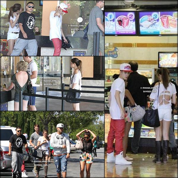 """+ July 23rd  ;   Selena a été vue quittant un restaurant japonnais à Los Angeles. Selena a été aperçue au cinéma avec Justin et des amis à LA. Elle est allée voir """"The Dark Knight Rises"""".  +"""