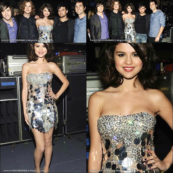 + October 23rd  ;   Selena a l'événement Justin Timberlake & Friends.  +