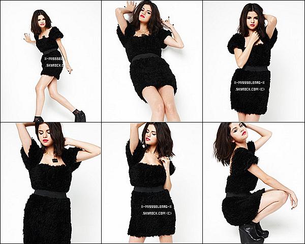 + L'intégralité du photoshoot de Selena pour «Sugar Magazine».+