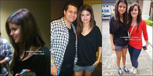 + January 23rd  ;  Selena à Puerto Rico donnant un concert et posant avec des fans. +