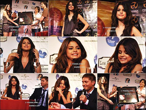 + February 4th  ;  Selena arrivant à Buenos Aires. Puis, à un conférence de presse où elle a reçu un disque d'or pour Kiss & Tell. Elle a fait un souncheck et le soir elle a donné un concert. +