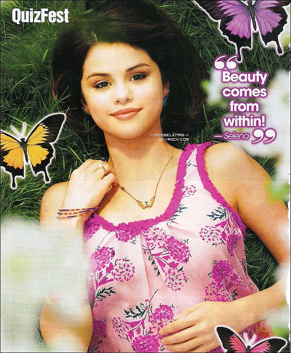 + Juin / Juillet 2011  ;  Selena fait la couverture du magazine « Bliss »+