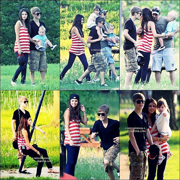 + May 31st  ;  Selena et Biebs dans un parc à Stratford, à Ontario.+