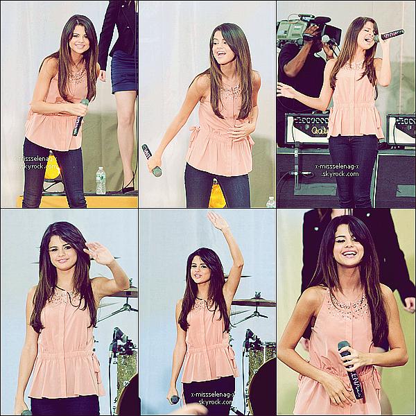 + June 17th  ;  Selena au « Good Morning America » et y faisant un concert.+ Deux nouvelles photos du Twitter de Selena de ce même jour, dont une avec ses co-stars de Monte Carlo. +