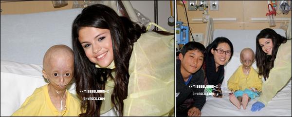 + December 15th  ;  Sel a rendu visite à Hannah une fan malade à l'hôpital de LA. Après elle s'est rendue à une conférence de presse pour « Les Sorciers de Waverly Place ». (désolé pour la mauvaise qualité) +