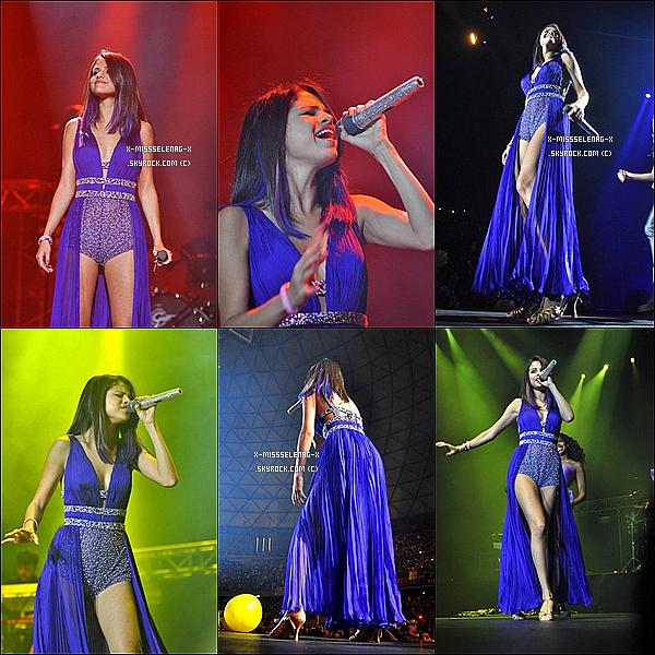 + January 30th  ;  Selena et son groupe donnant un concert à Santiago au Chili.(+) Nouvelles photos de Selena et autres, via Instagram. +