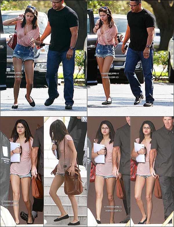 + March 2nd  ;  Selena, Ashley et Rachel sur le balcon de leur hôtel. Ensuite, Selena sortait d'une clinique après avoir fait une prise de sang. Elle a alors retourné à son hôtel et en est ressortir aussitôt. Elle arrive alors aux tournages de Spring Breakers et en ressort à la fin de la journée. Après, on la repère sortir d'un salon à St. Petersbourg et se dirige vers l'aéroport de Tampa, pour en ressortir à l'aéroport de LAX pour rejoindre son compagnon et fêter son anniversaire. +