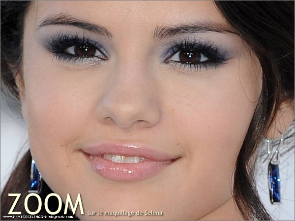 + September 12th  ;   Selena aux « MTV Video Music Awards 2010 ».  +