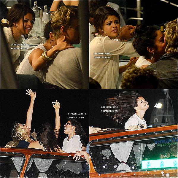 + September 4th  ;   Selena a été vue débarquant à Venise. Plus tard, elle quittait l'hôtel Excesior pour se rendre au restaurant «Harry's Dolci» où elle a dîné avec son cast & Austin Butler.  +
