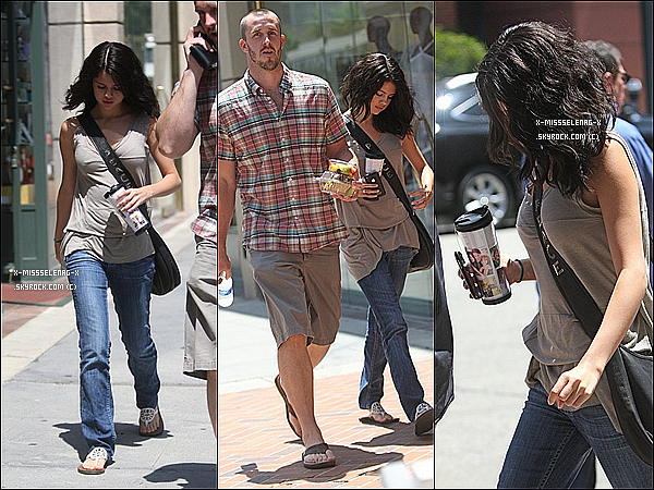 + July 31st  ;   Selena se promenant dans Beverly Hills avec son beau-père dans Studio City. +