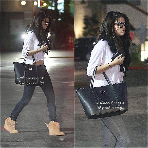 + November 16th  ;   S. est allée dînée avec son (boyfriend) Justin Bieber. + Journée détaillée. +