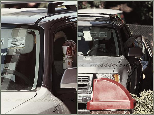 + January 16th  ;   Sel passant par un McDrive et sortant d'un bar avec ses backvocals. +