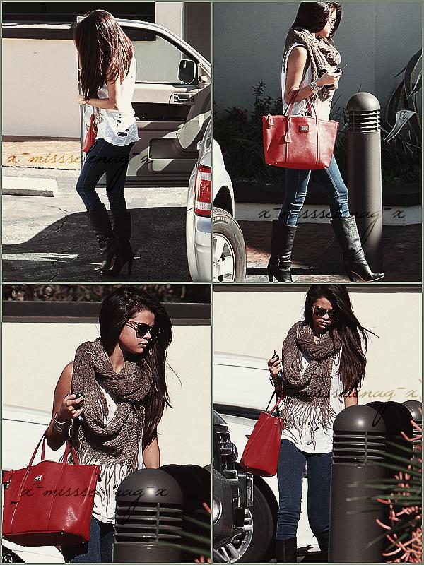 + February 15th  ;   Gomez allant à une réunion et plus tard arrivant à l'aéroport LAX. +