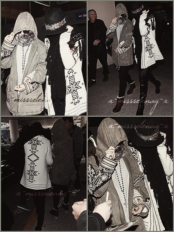 + February 23rd  ;   Selena et Vanessa débarquant à l'aéroport de LAX. + Découvre des nouvelles vidéos et photos (promoshoot, stills...) pour Spring Breakers. +