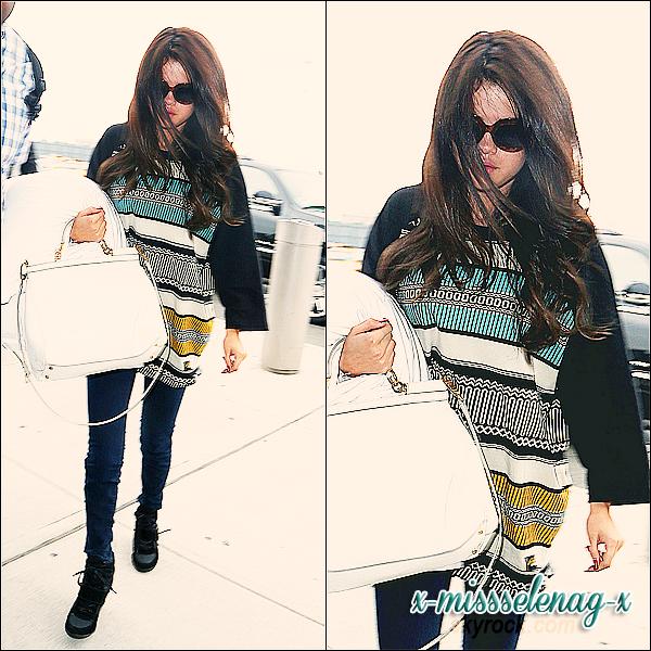 """+ June 30th  ;   Selena s'est rendue au """"AMP Radio Birthday Bash"""" à Boston où elle a fait un concert ainsi qu'un Meet&Greet. En fin de journée, elle a été vue embarquant à l'aéroport de New York et des heures plus tard, débarquant à l'aéroport de Los Angeles, toute fatiguée. +"""