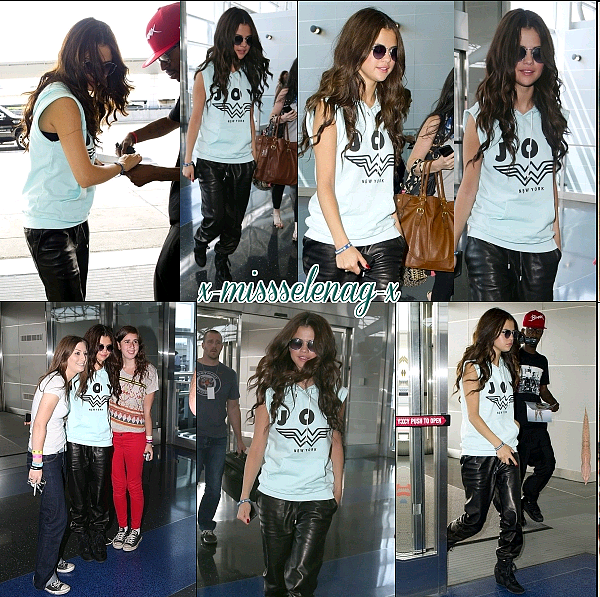 + July 26th  ; Sel arrive a l'aéroport de JFK puis au GMA Summer Concert Series.  +
