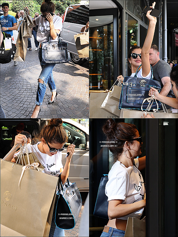 + September 20th  ;   Sel se promenant dans les rues de Milan. Elle est ensuite allée faire du shopping à Versace puis est retournée une fois de plus à son hôtel. Le soir, elle s'est rendue au défilé de 'Versace' au «Milan Fashion Week» à Milan, avec Donatella Versace entre autres. +