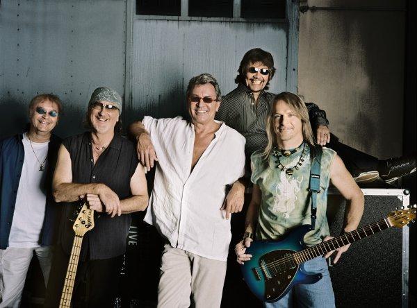 Les années 70 c'était une époque magique. La musique était plus importante que le business. Le rock était un nouveau courant, libre et très créatif. Nous avions à c½ur d'être de bons musiciens. Je crois que c'est ce qui a fait le succès de Deep Purple, être des musiciens, avant tout.     (Roger Glover)