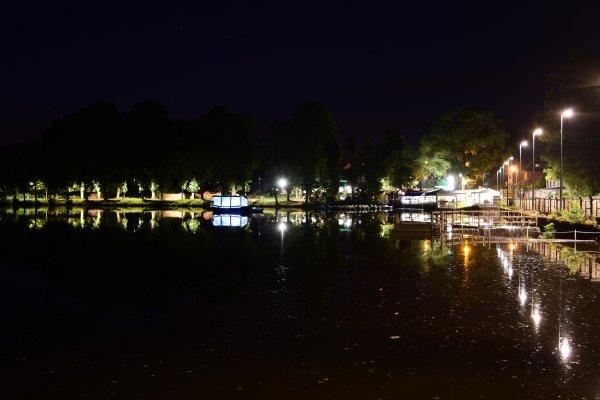 Balade nocturne autour du lac de Spa.
