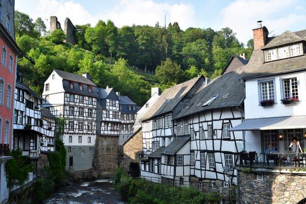 Série de photos de Montjoie. (Allemagne)