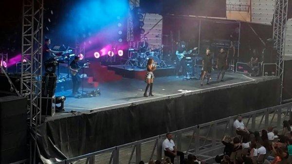 Tal le concert que j'ai vue le 15 juillet 2014 ..