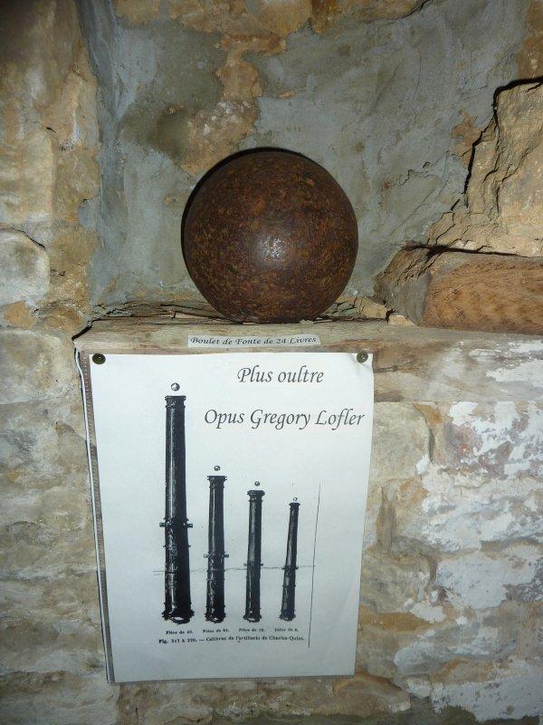 Boulet de canon de 24 livres. (Epoque Charles - Quint +- 1500).