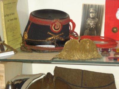 Schako d'artillerie du début de guerre...