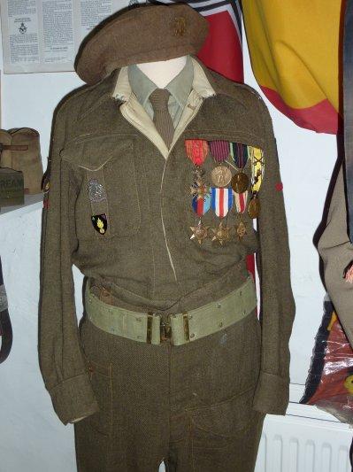4eme Brigade Steenstraete, les Ch. A. ont étés recontitués a partir de cette Brigade en 1946...