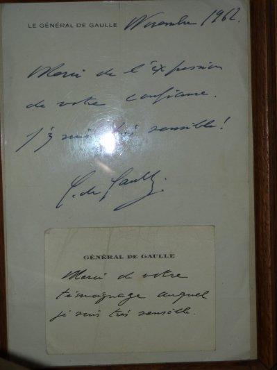 Signatures du Général de Gaulle...