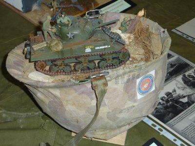 Visite au Maquett' Show 2010 de Virton. Idée originale ce casque...........Qu'en pensez-vous ??.......
