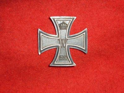 Rentrées  d' aujourd'hui . Une croix de fer de 1914 .