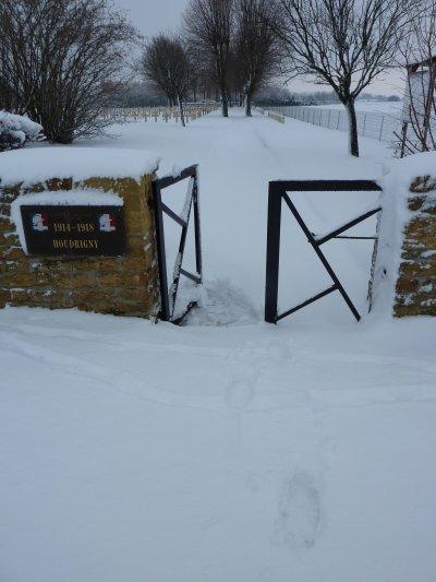 Dans ce cimetière ils reposent.... Notamment des soldats du  51e RI  qui ont participés à cette Bataille dans le cadre de la 'Bataille des Frontières'