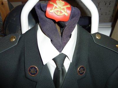 Tout ces uniformes ont appartenu a la même personne. Artillerie...