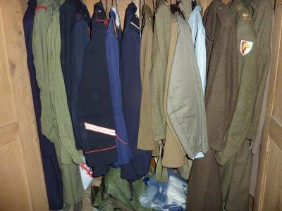 D'autres uniformes...........