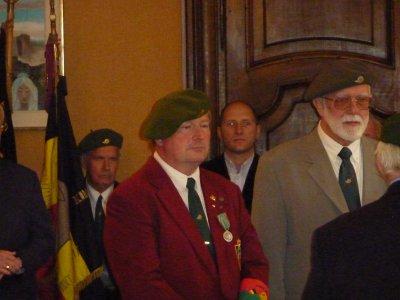 Remise des médailles de la Fraternelle et commémoratives du 60eme aux porte-drapeaux.