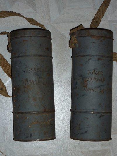 Deux masques à gaz  Français, de la Défense Passive WW2. en bon état. Merçi Jeff.