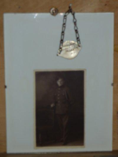 Suite......Soldat du 14e de Ligne..........Plaque commémorative offerte après guerre.........