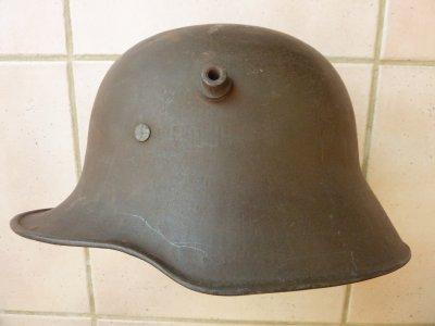 Casque Allemand de 1918, complet. Merci à Manu.