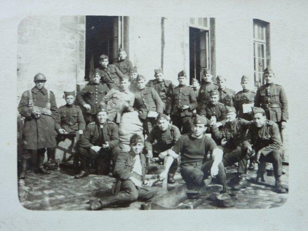 Photos du 10è de Ligne. Souvenirs d'Arlon et de Bruxelles.