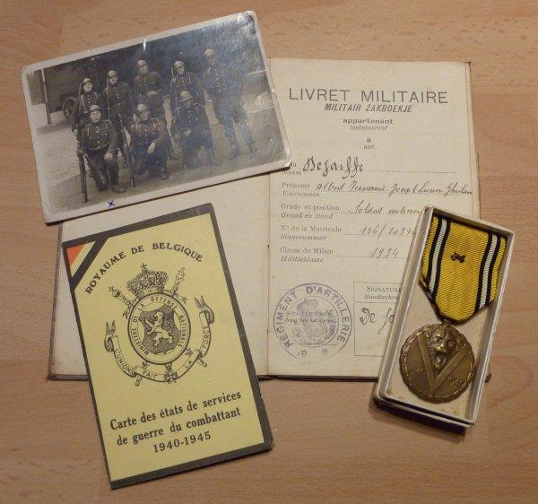 Livret Militaire d'un soldat artilleur ayant participer a la campagne des 18 jours.
